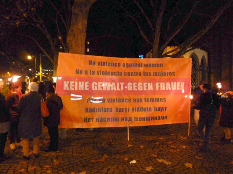 """25.11.2013: Protestmarsch """"Wir fordern die Nacht zurück!"""""""